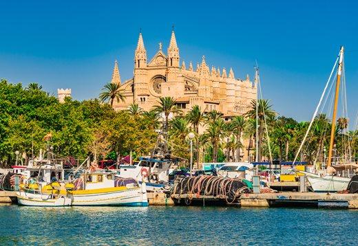 Bootsliegeplätze auf Mallorca – Unsere Tipps für Sie: Dolphin Boats stellt Ihnen hier einige der bekanntesten und schönsten Häfen